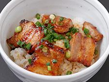 豚バラ丼(小)